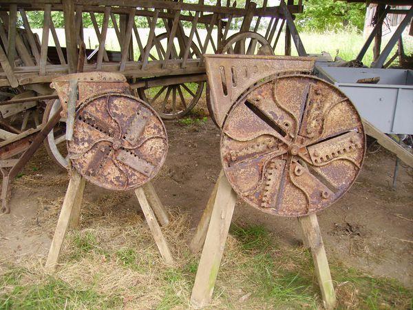 mat riel agricole ancien mornay sur allier 18600. Black Bedroom Furniture Sets. Home Design Ideas