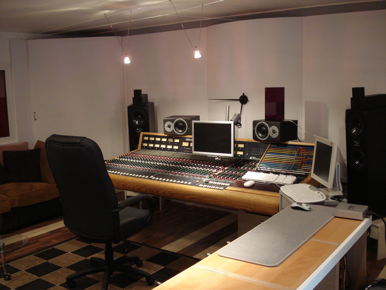 iceberg studio d 39 enregistrement nice 06000. Black Bedroom Furniture Sets. Home Design Ideas