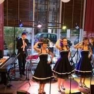 The Andrews Sisters Revival recherchent chanteuse alto/contre-alto